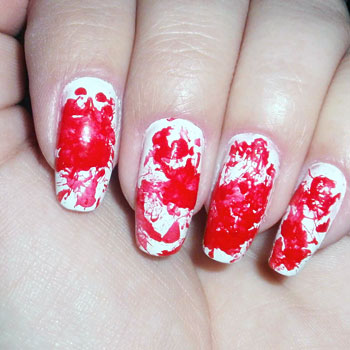 Tutorial de Halloween: unhas sangrentas 2