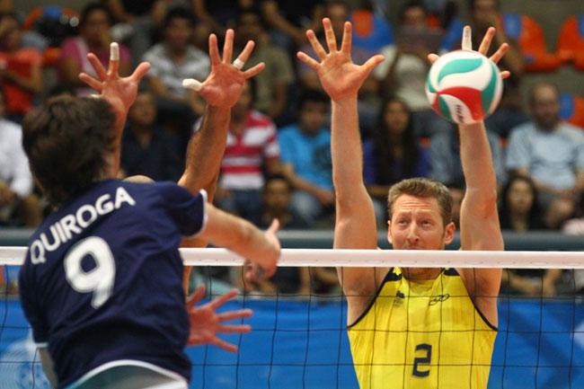 Gustavo Endres, central da seleção masculina de vôlei nos Jogos Pan-americanos (foto: Luiz Pires/VIPCOMM)