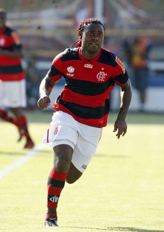 http://bagarai.com.br/wp-content/uploads/2012/02/Vagner-Love-Flamengo-bagarai.jpg