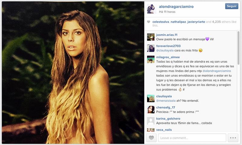 Namorada de Guerrero divulga foto sensual