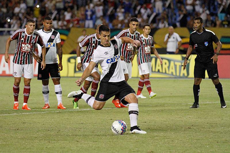 Campeonato Carioca 2015: Vasco vence Fluminense em jogo clássico