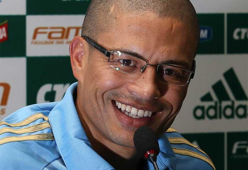 Despedida de Alex tem camiseta especial e emoção no Palmeiras
