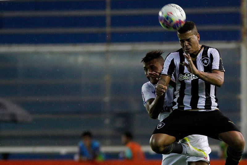 Em jogo pelo Campeonato Carioca 2015, Botafogo ganha do Cabofriense
