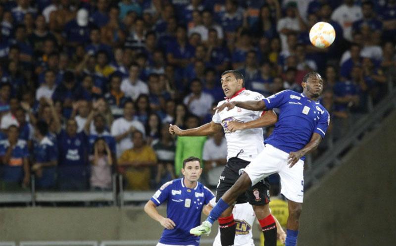 Cruzeiro empatou com Huracán-ARG pela Libertadores 2015
