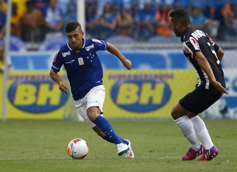 Cruzeiro segue no topo do Campeonato Mineiro 2015