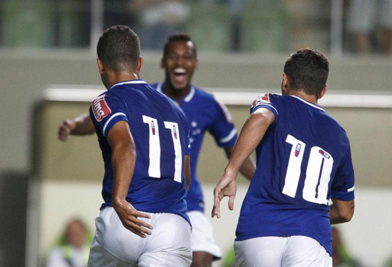 Cruzeiro ganha do América-MG pelo Campeonato Mineiro 2015