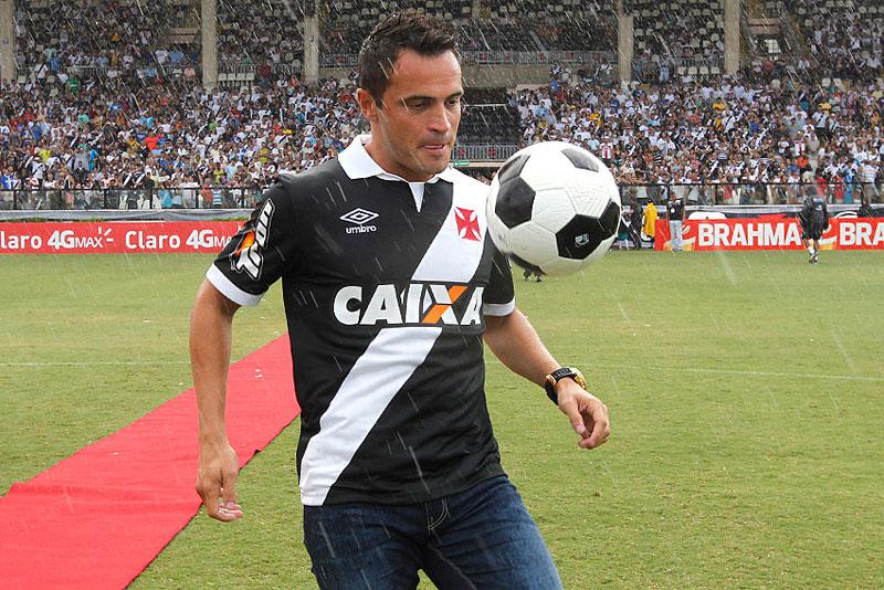 Vasco comemora 450 anos do Rio de Janeiro com Falcão