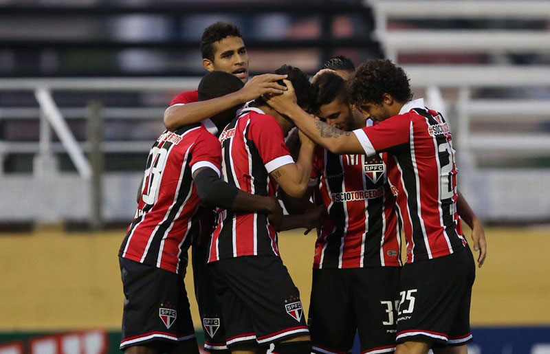 São Paulo FC ganha da Ponte Preta pelo Campeonato Paulista 2015