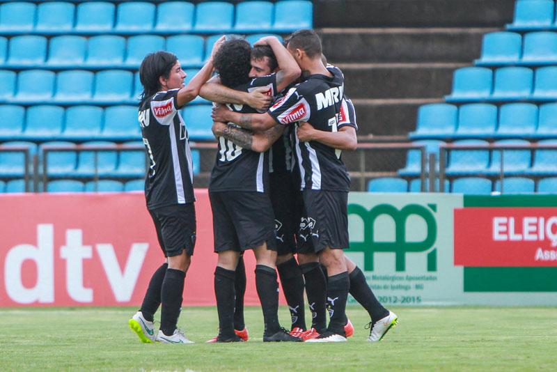 Campeonato Mineiro 2015: Atlético-MG ganha do Tombense por 3 a 0
