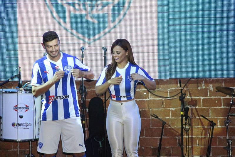 Nova Camisa 2015 Paysandu é lançada por Viviane Araújo