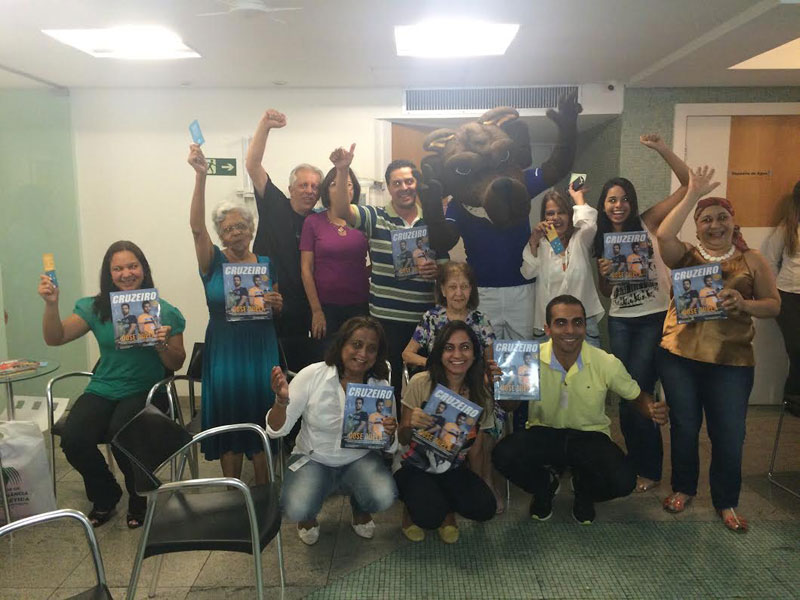 Raposão do Cruzeiro visita pacientes