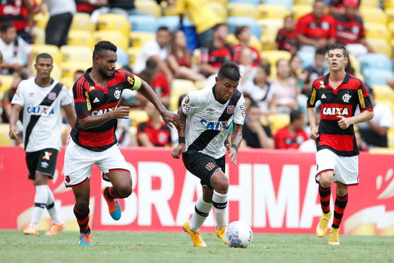 Resultado do jogo: Flamengo vence Vasco pelo Campeonato Carioca 2015