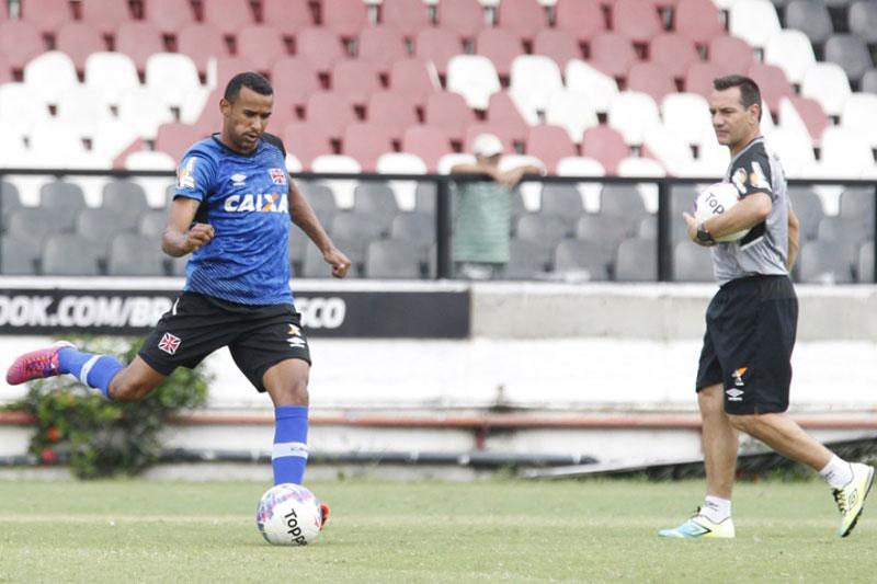 Vasco e Botafogo empatam clássico pelo Campeonato Carioca 2015