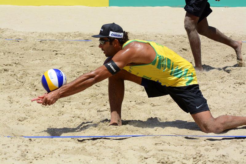 Desafio de vôlei de praia: Brasil vence os EUA em Copacabana