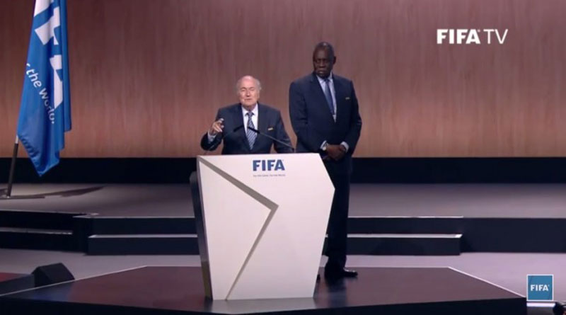 Tomo a responsabilidade de voltar a botar a Fifa no caminho, prometeu Joseph Blatter, após ser reeleito e garantir seu quinto mandato como presidente da entidade máxima do futebol (foto: Fifa TV / Reprodução)