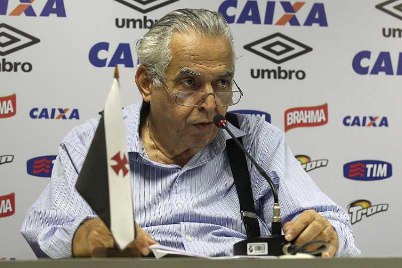 Léo Moura é o novo reforço do Vasco da Gama para o Campeonato Brasileiro 2015