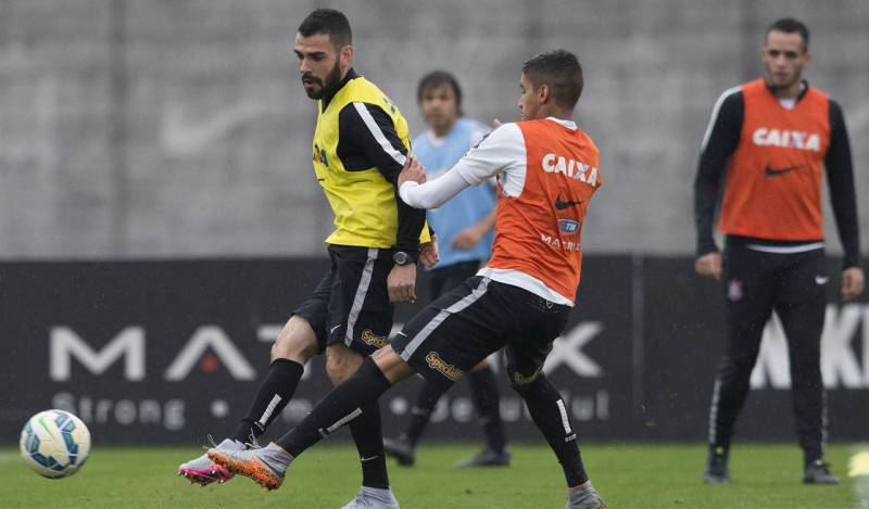"""""""O Corinthians tem a maior torcida do Brasil"""", disse Bruno Henrique"""