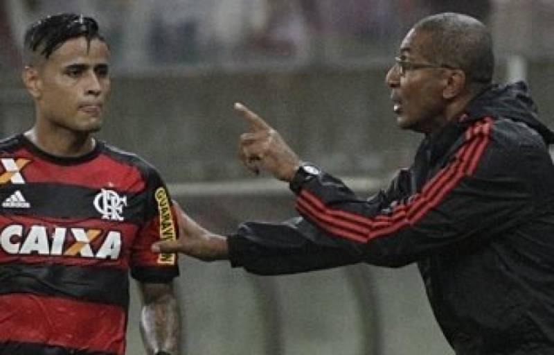 Flamengo ganha do Grêmio e Cristóvão quer mais vitórias