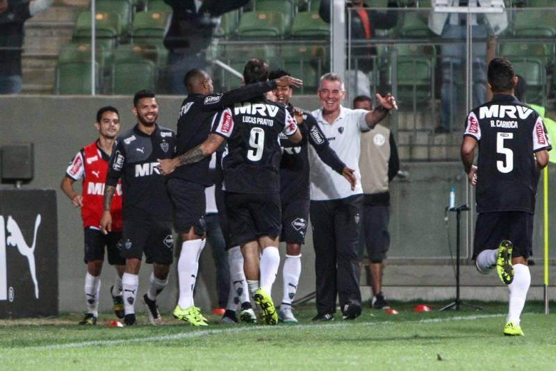 No topo do Campeonato Brasileiro 2015, Galo Mineiro comemora boa fase