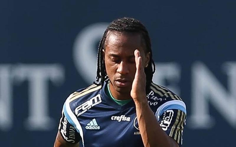 Notícias do Palmeiras: Arouca sofre desinserção muscular