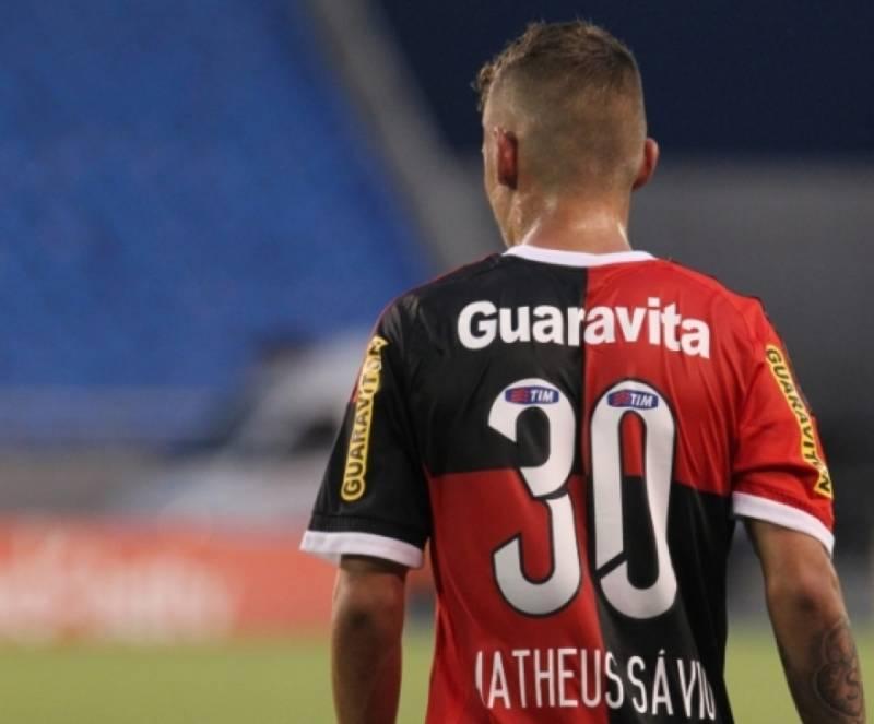 Flamengo leva 3 do Figueirense pelo Brasileirão 2015