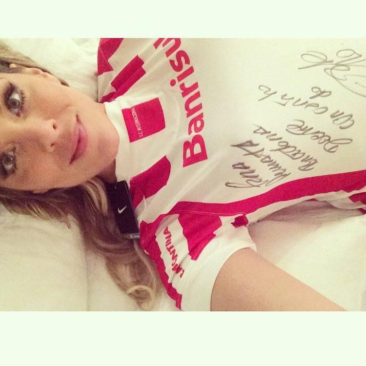 Brasileirão 2015: 10 fotos de Renata Fan que provam que ela ama o Inter