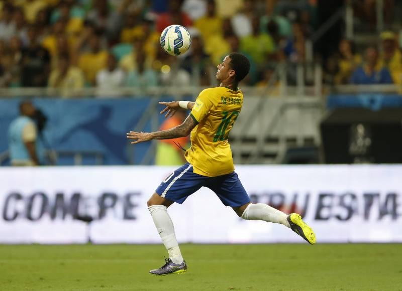 Bola de Ouro Fifa: Neymar, Messi ou Cristiano Ronaldo?
