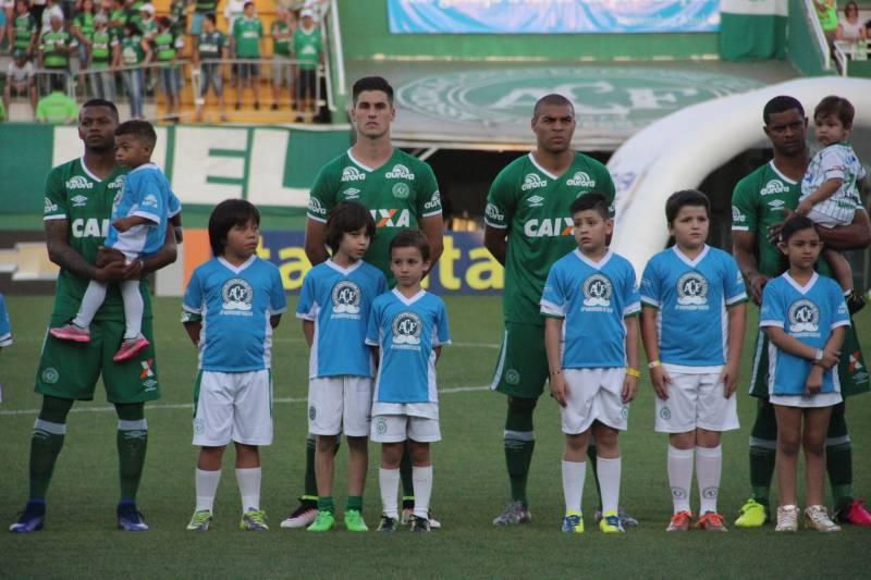 Força Chape: Lista de jogadores da Chapecoense vítimas do acidente aéreo