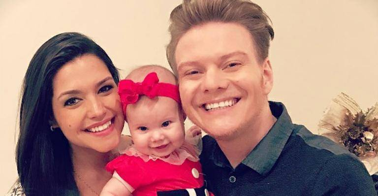 Natal Instagram: Michel Teló e Thais Fersoza vestem Melinda de Mamãe Noel
