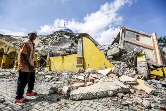 Indonésia sofre com terremoto