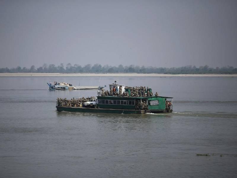 Uganda: barco naufraga com equipe de futebol