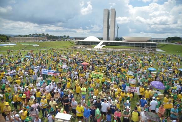 Manifestacao do Dia 4 reúne manifestantes em 200 cidades do Brasil