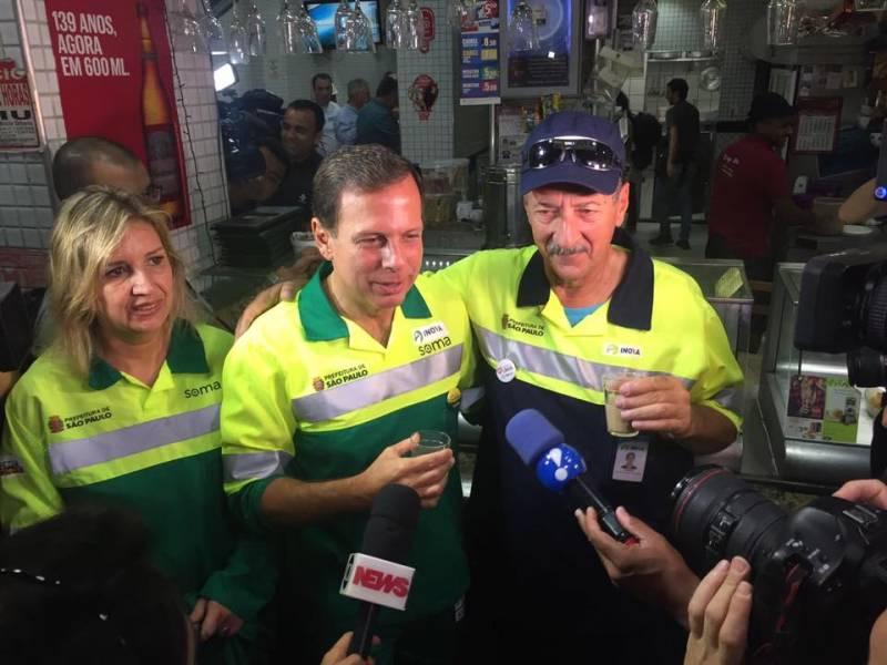 Prefeito Doria de gari é o assunto do dia; veja as novidades para a cidade de São Paulo