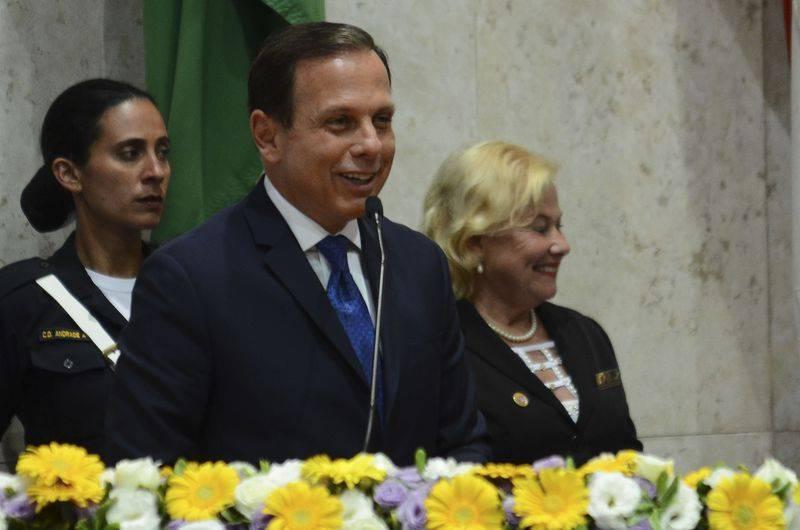 Posse do prefeito Doria tem promessas para 2017