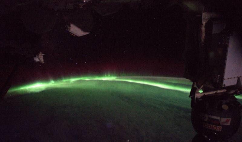 Aurora boreal vista do espaço é a coisa mais linda que você verá hoje