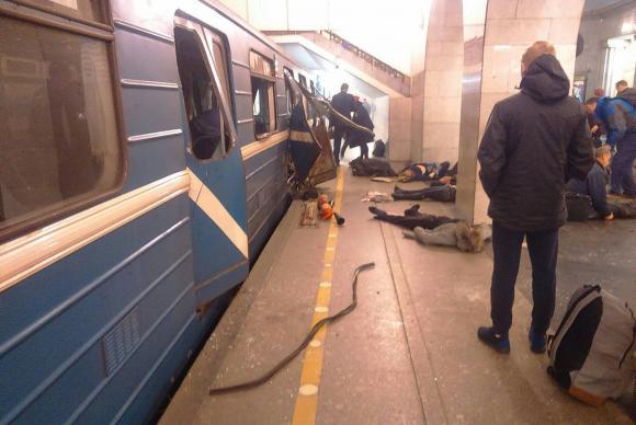 Explosão no metrô de São Petersburgo deixa ao menos 10 mortos