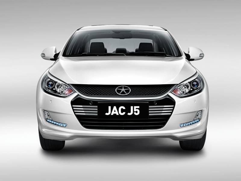 JAC J5 é um boa opção de sedan com preço baixo